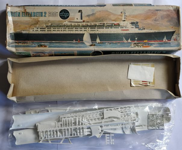 KINGKIT MODEL SCRAPYARD 1/600 AIRFIX - 06203-2 QUEEN ELIZABETH 2 - NO INSTRUCTIONS   DISPRUED