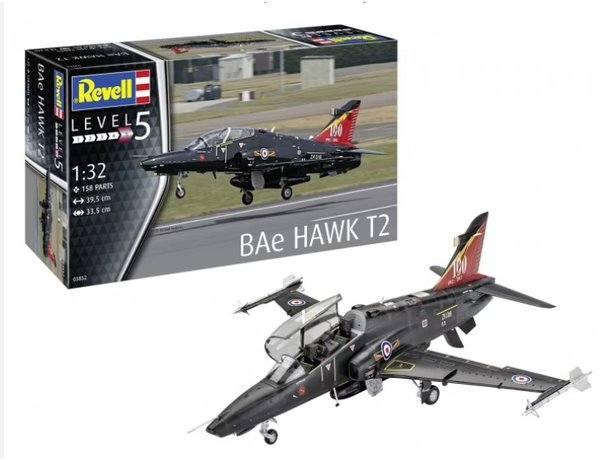 REVELL 1/32 03852 BAE HAWK T2