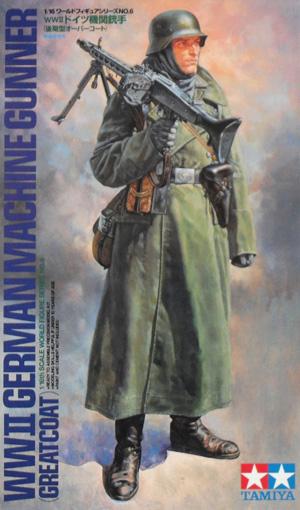 TAMIYA 1/16 36306 GERMAN MACHINE GUNNER WITH GREATCOAT