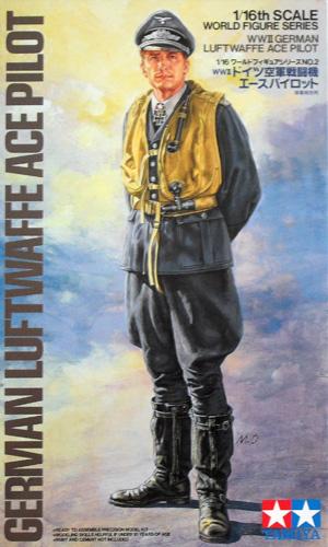 TAMIYA 1/16 36302 LUFTWAFFE ACE PILOT