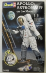 Thumbnail 04826 APOLLO ASTRONAUT ON THE MOON