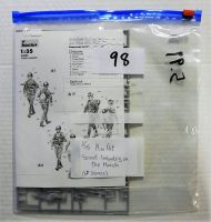 Thumbnail BK98 35002 SOVIET INFANTRY ON THE MARCH  NO BOX